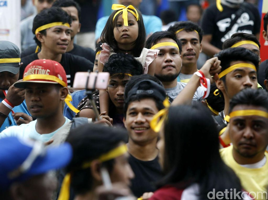 Semangat Penonton di Final Futsal PON 2016
