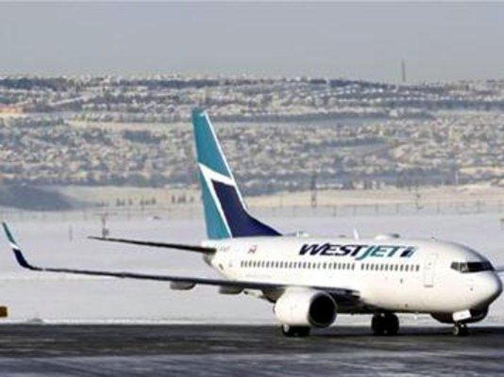 Enggak Pakai Masker di Pesawat, 2 Turis Kanada Didenda Rp 11 Juta