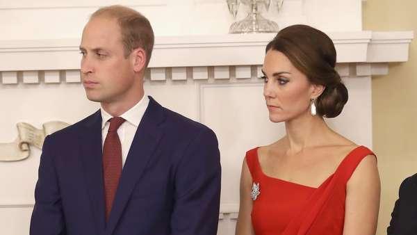 Meski Hujan, Kate Middleton Tetap Stylish saat Kunjungi Kanada