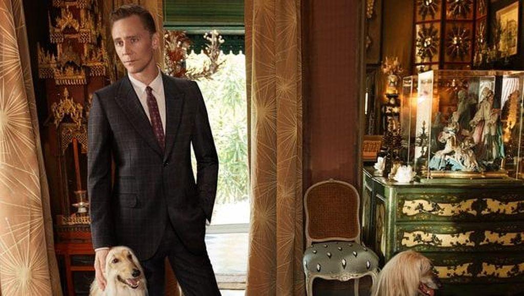 Pesona Tom Hiddleston Jadi Model Gucci Pasca Putus dari Taylor Swift