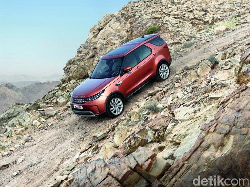 Land Rover Buat Mobil Otonom Main Offroad