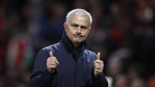 Mourinho ke Fans MU: Jangan Pergi ke Bioskop Pekan Ini, Dukung Kami Lawan Liverpool