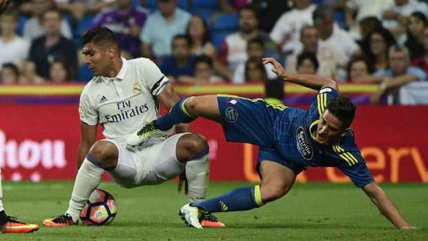 Casemiro penjaga keseimbangan lini tengah Real Madrid.