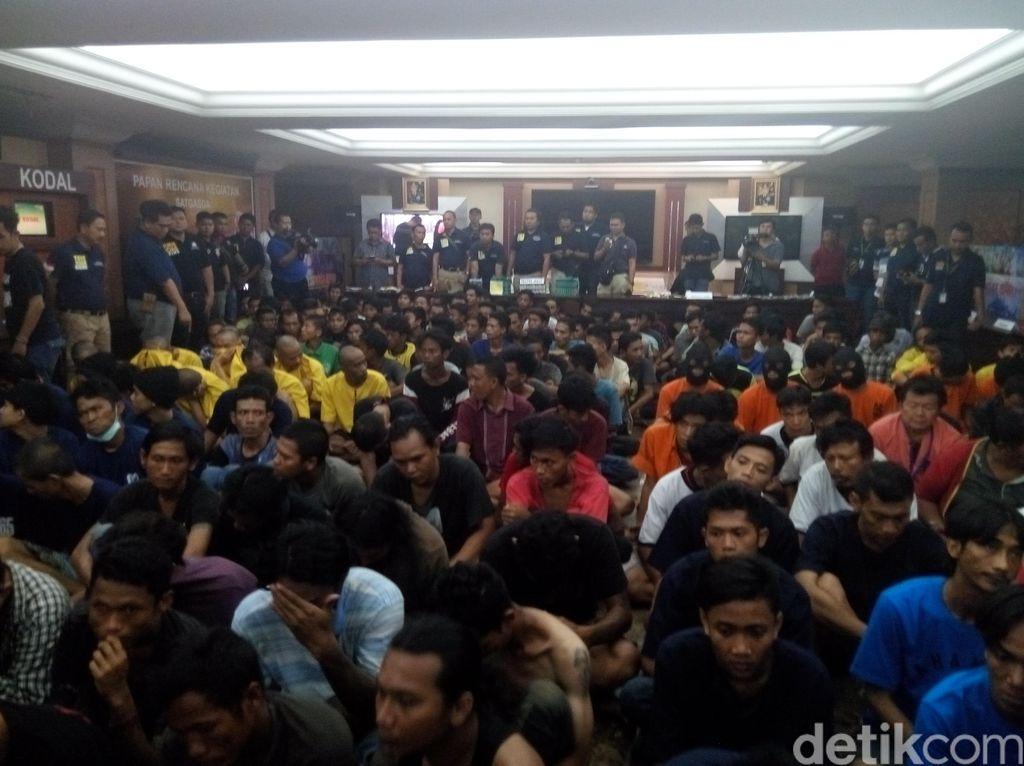 Jelang Pilgub DKI, Polisi Tangkap 586 Orang yang Terlibat Aksi Premanisme