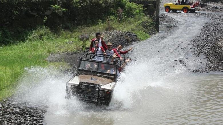 Memacu adrenalin di Lava Tour Merapi (Widi Pracoyo/dTraveler)