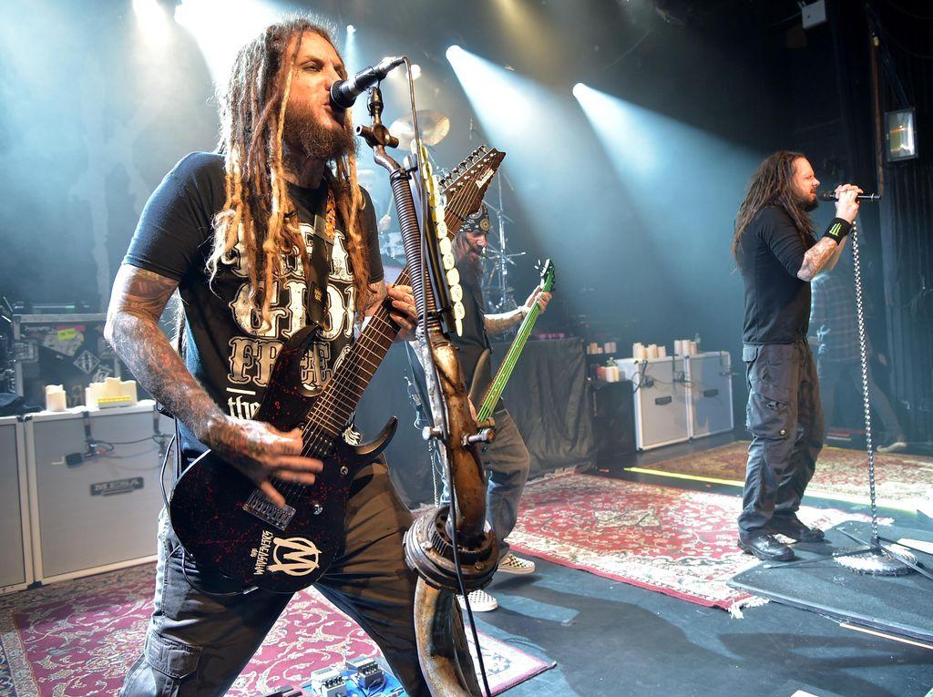 Teriakan Lantang Vokalis Slipknot untuk Single Baru Korn