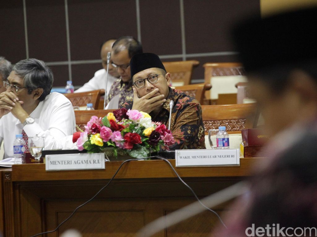 Menag dan Komisi VIII, Raker Soal Ibadah Haji dan Umroh