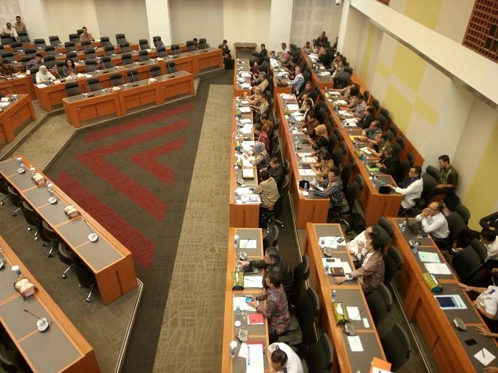 Pemerintah Usulkan Subsidi Pupuk Rp 31,2 T dan Benih Rp 1,3 T Tahun Depan