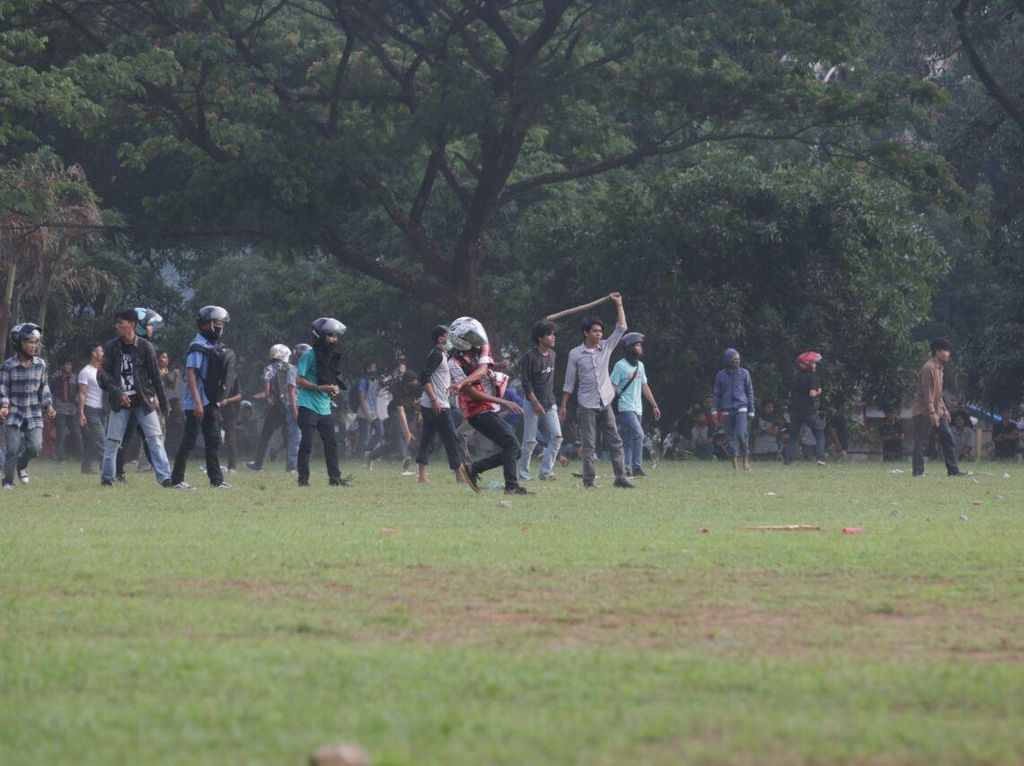2 Kelompok Mahasiswa UIN Alauddin Gowa Tawuran, Polisi Terkena Lemparan Batu