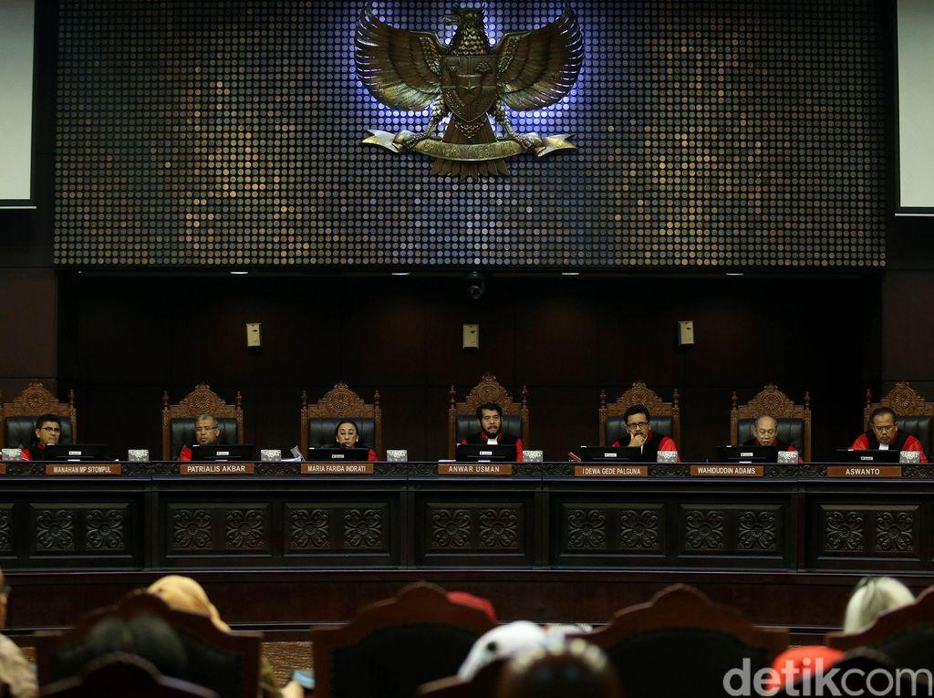 TKN: Jokowi-Maruf Tak akan Hadir di Sidang Putusan MK