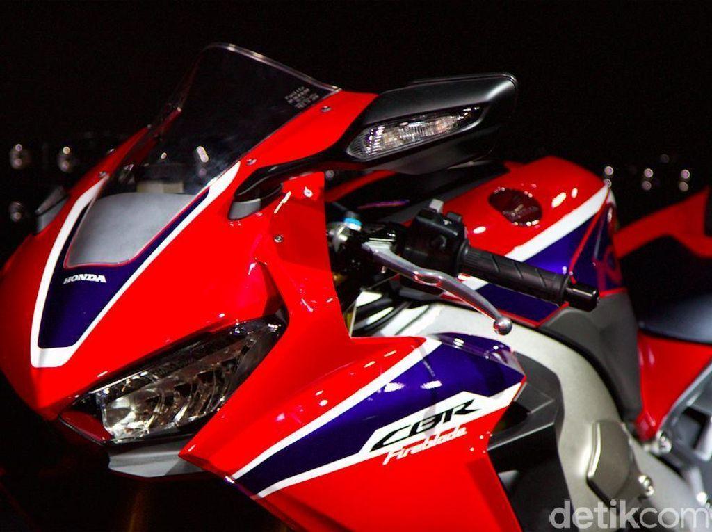 Perbandingan Honda CBR1000RR SP yang Diseruduk Ayla dengan Motor MotoGP Marc Marquez