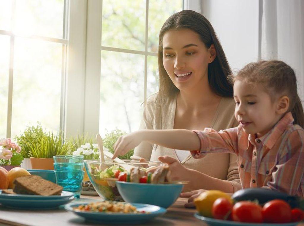 Agar Anak Makin Cerdas, Perhatikan Kualitas Makanan dan Asupan Cairannya