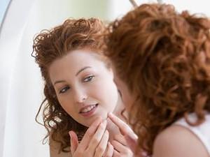 Tips Memakai Makeup Setelah Jerawat Pecah Agar Tidak Iritasi