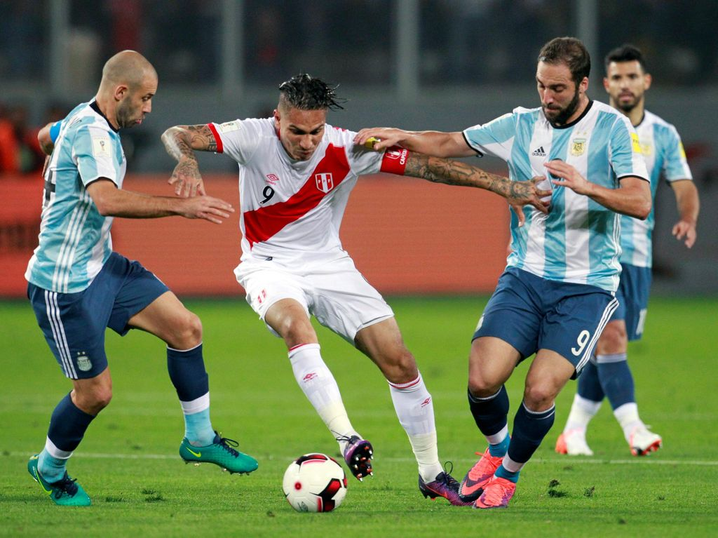 Argentina Diimbangi Peru 2-2