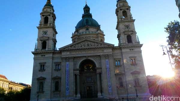 Begini Keindahan Gereja dan Stasiun di Film SYTD 2