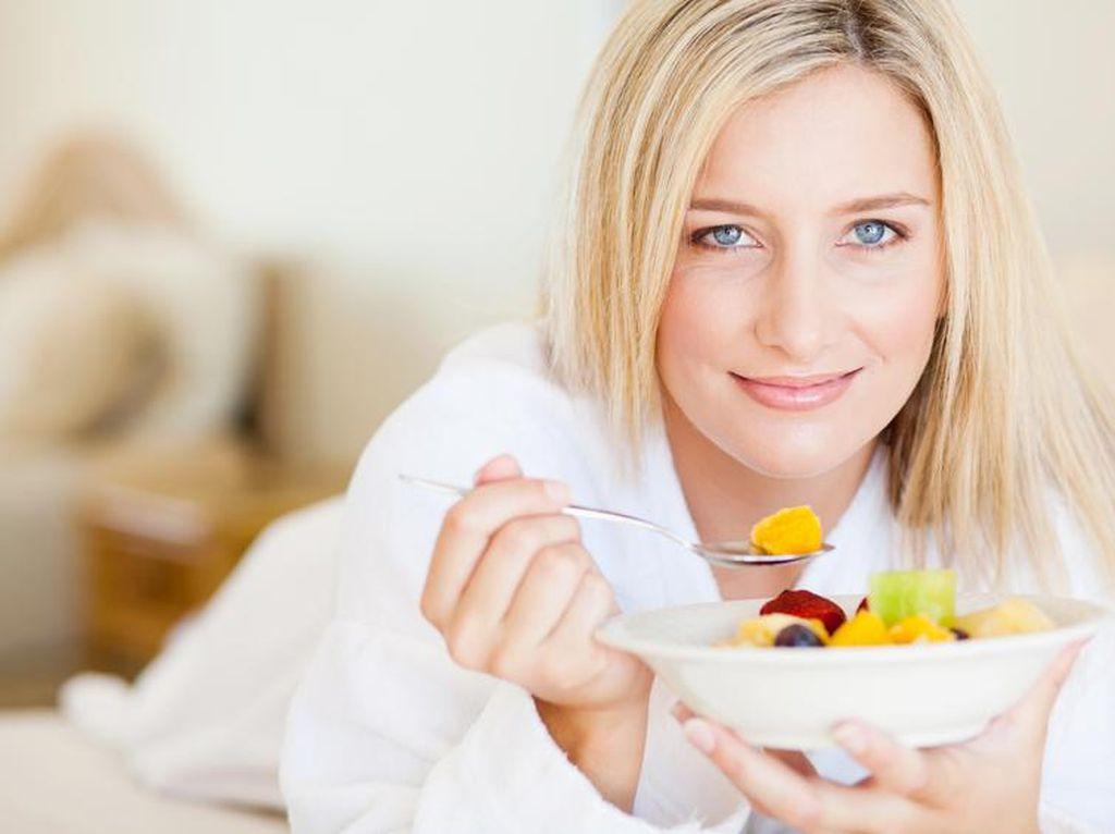 Mau Tidur Tapi Lapar Berat? Ini Buah yang Baik Dikonsumsi