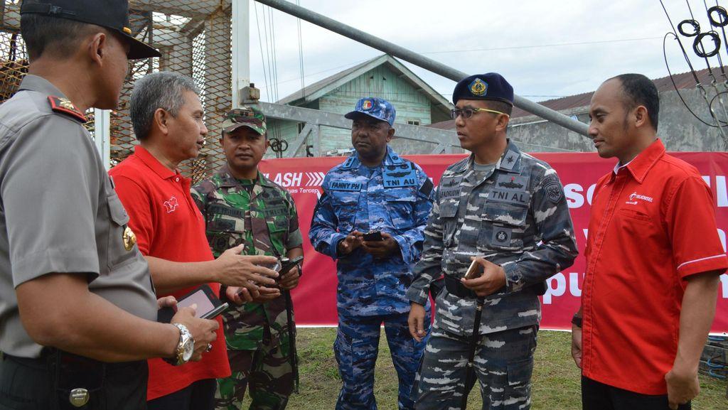 Rayakan HUT TNI ke-71, Telkomsel Bantu TNI Jaga Perbatasan