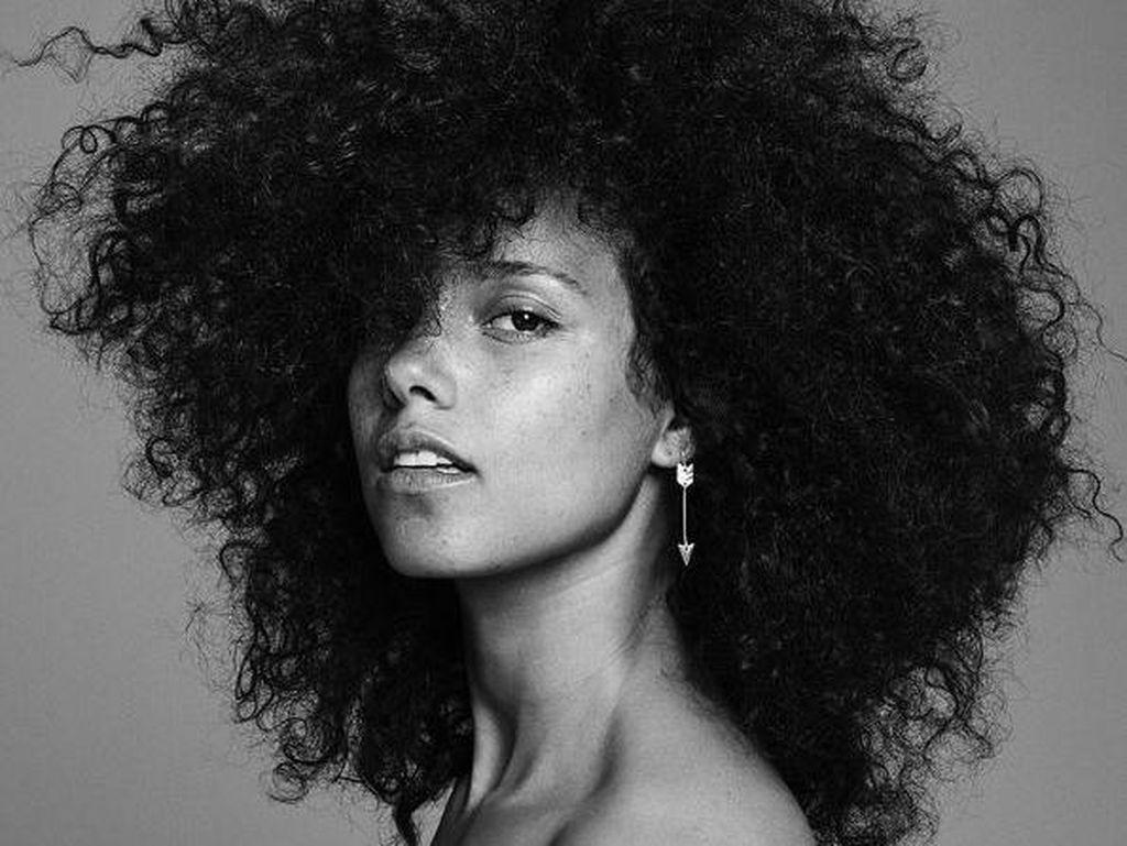 Here Alicia Keys: Inilah Dia, Apa Adanya