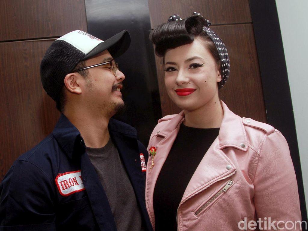 Claudia Adinda Tak Sabar Panggil Derby Romero dengan Sebutan Suami