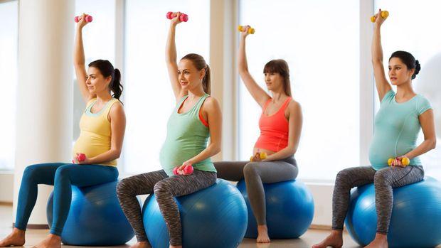 ilustrasi ibu hamil olahraga kardio