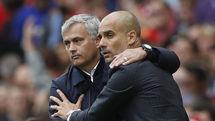Josep Guardiola dan Jose Mourinho akan berhadapan untuk kali ke-22 di akhir pekan ini (Action Images via Reuters / Carl Recine)