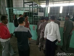 Pabrik Karet Penghasil Bau Busuk di Mojokerto Ditutup Paksa