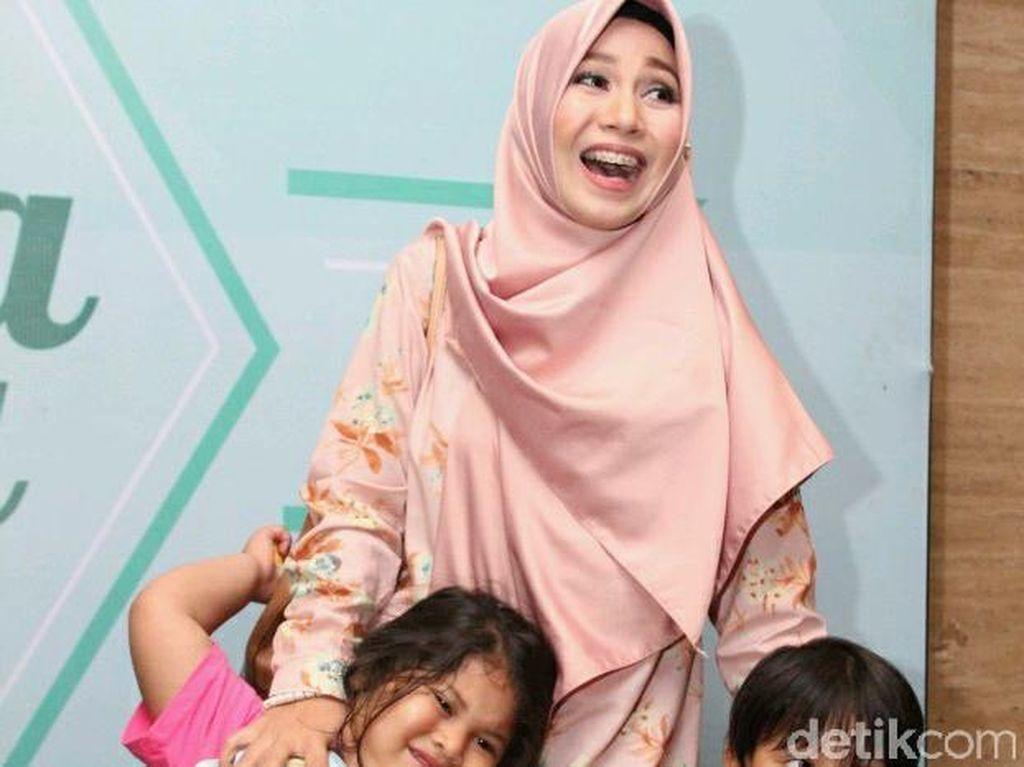Drama Ibu 5 Anak, Puput Melati di Hari Pertama Anak Masuk Sekolah