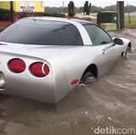 Chevy Corvette Korban Badai Matthew