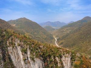 Hai Kamu yang Malas Jalan Kaki, Ini Eskalator Terpanjang di China