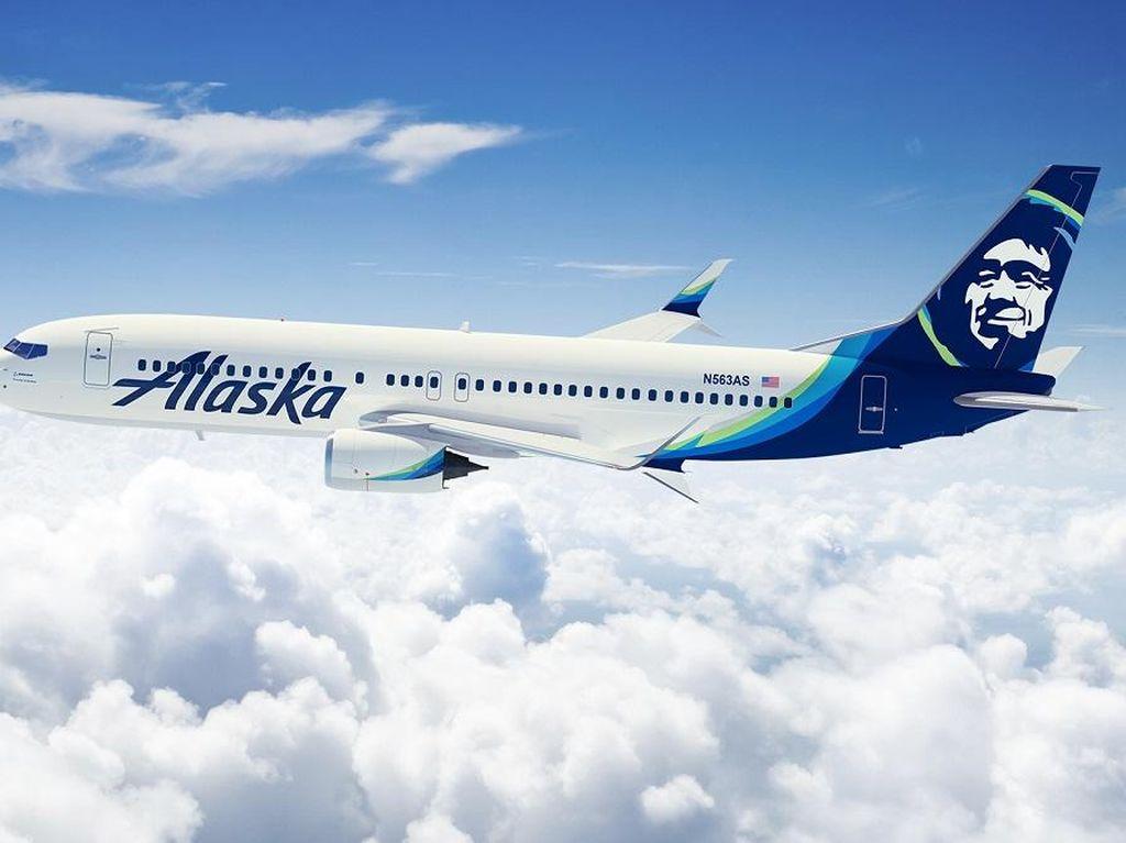 Menolak Lepas Alat Bantu Pernafasan, Penumpang Diusir Keluar Pesawat