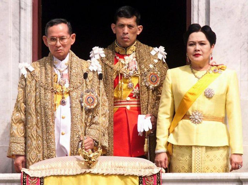 Raja Thailand Mangkat, Pemimpin Dunia Sampaikan Belasungkawa