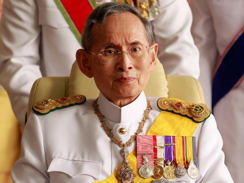 Raja Thailand Bhumibol Adulyadej Meninggal Dunia di Usia 88 Tahun