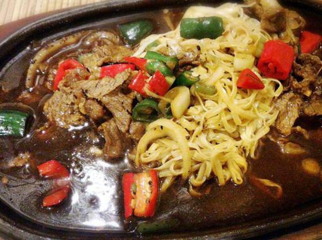 Yuk, Nikmati Sajian Hot Plate yang Enak di 5 Restoran Sekitar Jakarta Ini