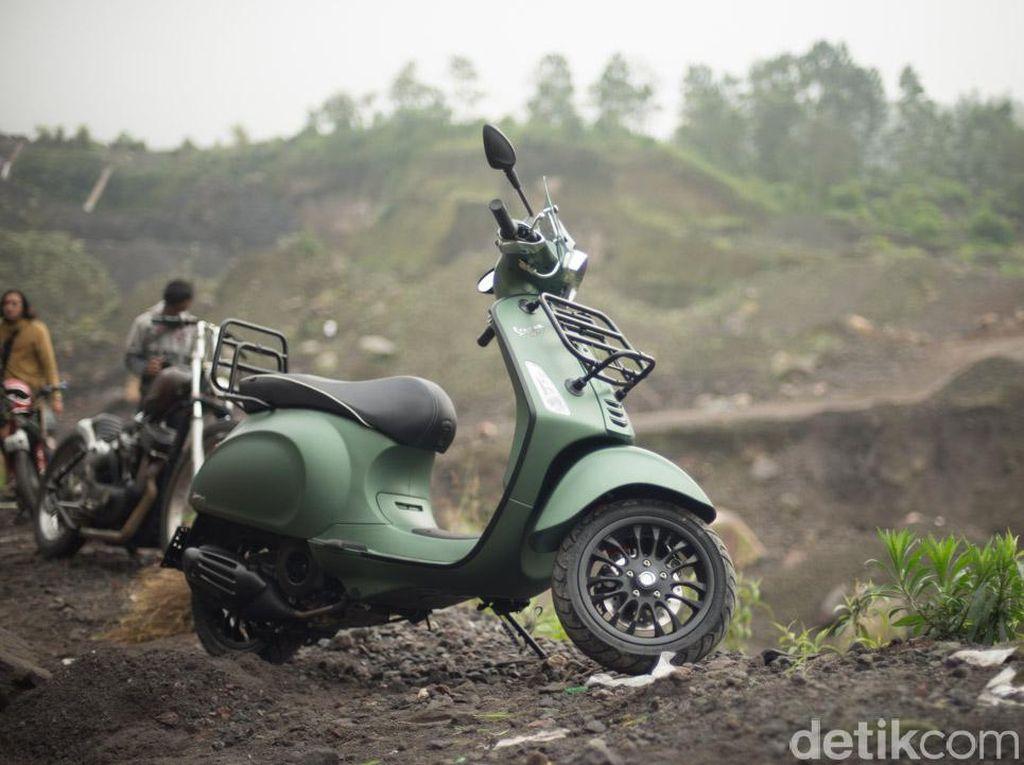 Vespa untuk Petualang Indonesia