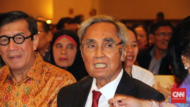 Pimpinan sementara MPR Sabam Sirait tak hadir di sidang paripurna MPR karena alasan kesehatan.