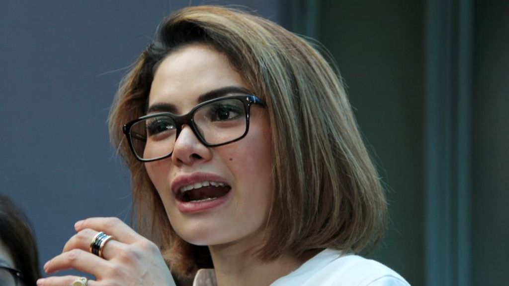 Amy Qanita Laporkan Haters, Nikita Mirzani Dituding Rusak Pernikahan Nafa-Zack