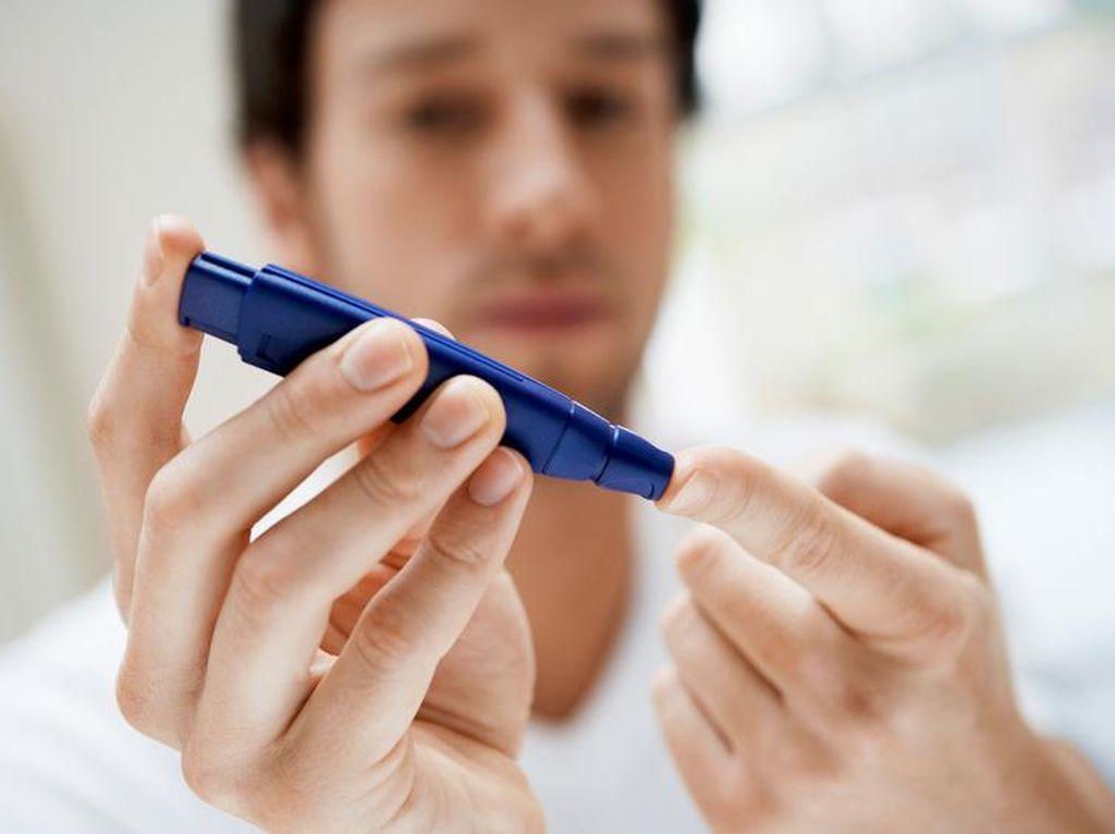 Makan Sembarangan, Pria Ini Kena Diabetes Hingga Nyaris Buta
