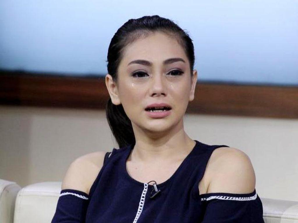 Celine Evangelista Nangis Dibilang Penyebab Vicky Prasetyo Batal Nikah