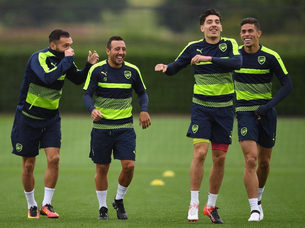 Cazorla: Jangan Biarkan Bellerin Pergi, Arsenal