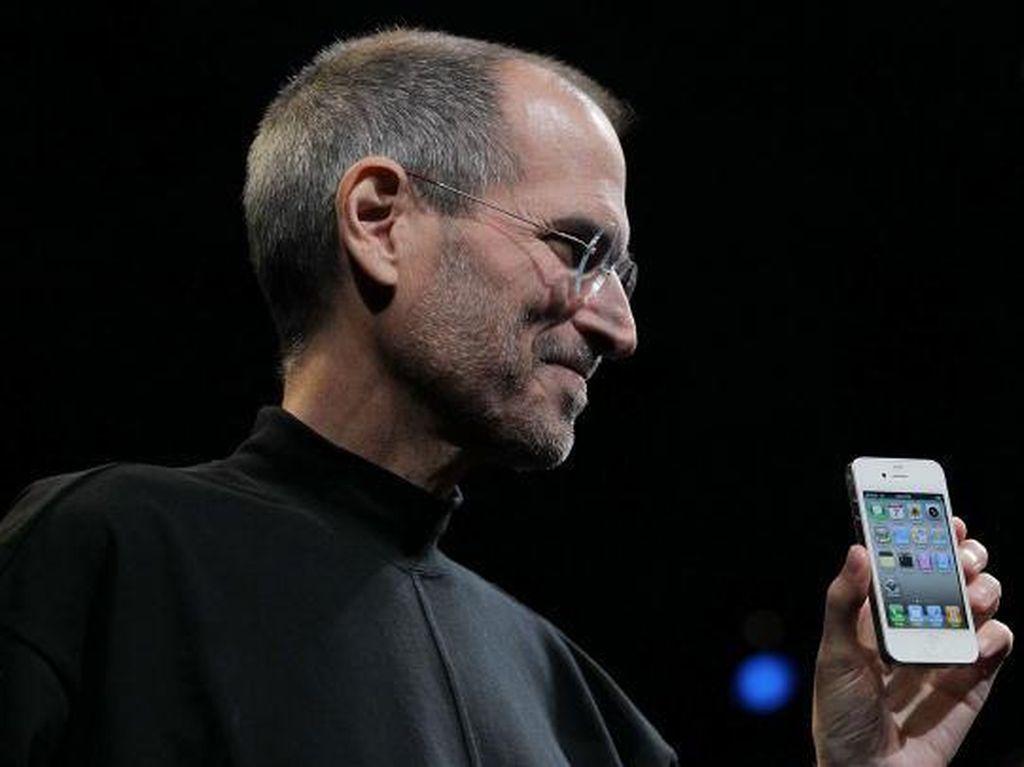 Mengenang iPhone 4: Disambut Gegap-gempita, Dihantui Antena