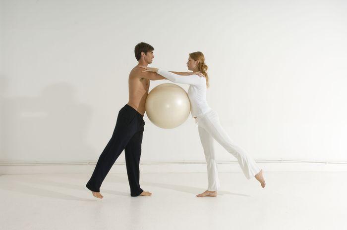 Lebih sering menari. Sebuah penelitian baru menunjukkan bahwa menari adalah salah satu jenis latihan paling efektif yang membantu memperlambat proses penuaan. Foto: ilustrasi/thinkstock