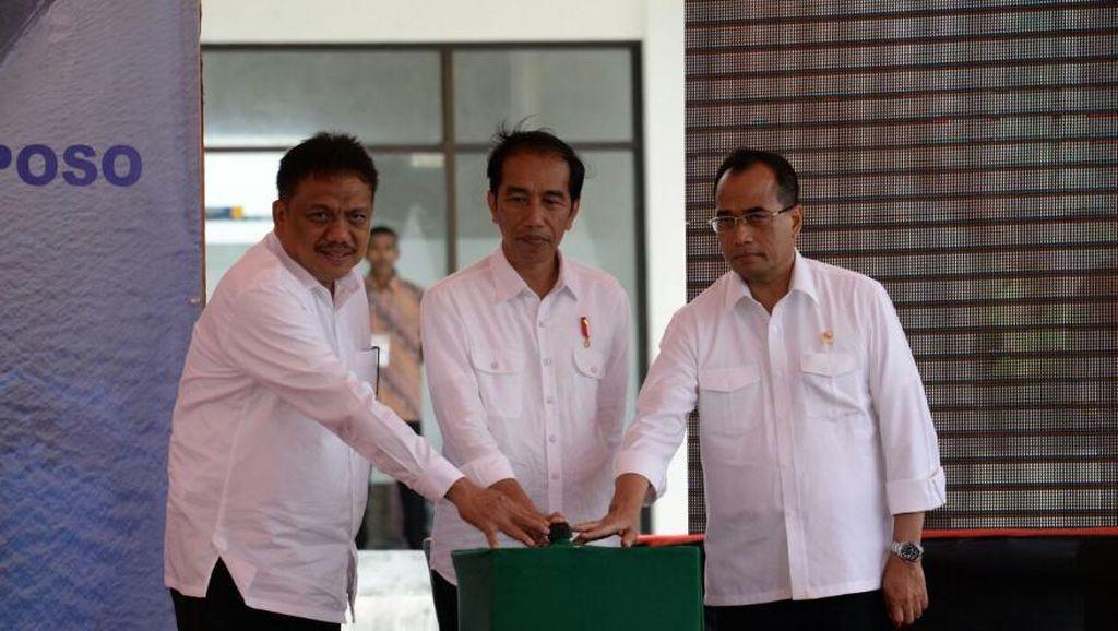 Jokowi Resmikan Bandara Miangas