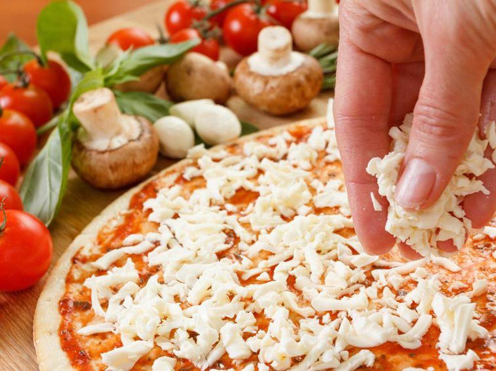 Pecahkan Rekor, Ini Pizza Italia Terpanjang di Dunia