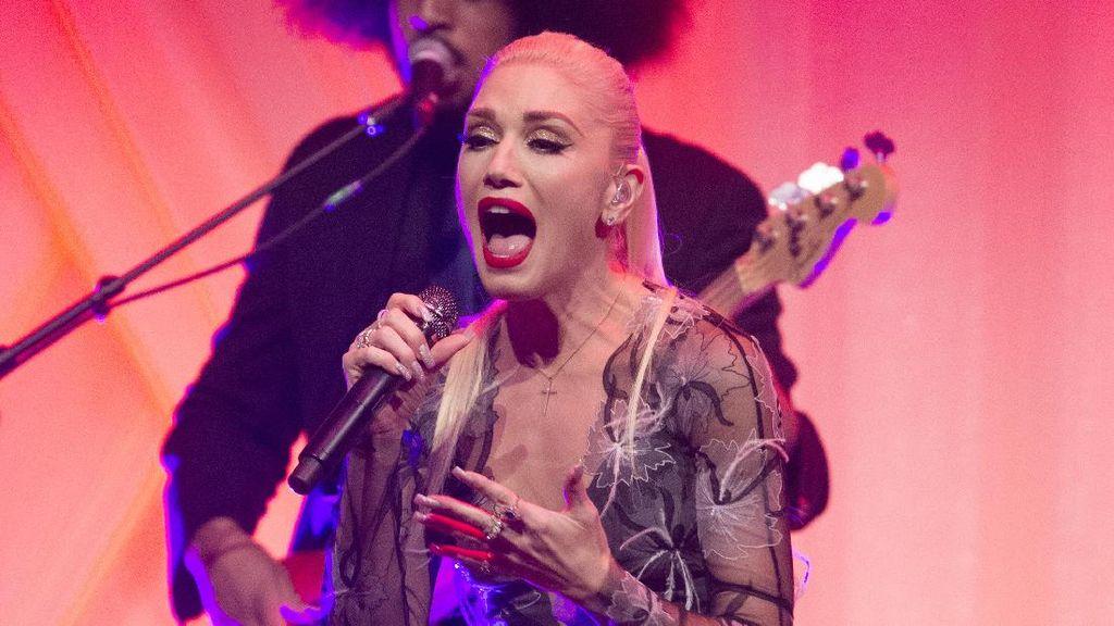 Seksinya Gwen Stefani Bergaun Transparan Saat Tampil di Gedung Putih