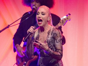 Gendang Telinga Gwen Stefani Pecah karena Naik Pesawat, <i>Kok</i> Bisa?
