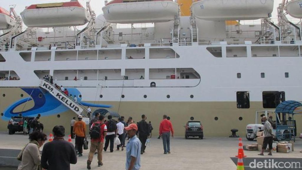 Kapal Kelas Ekonomi Pelni Dilengkapi Kasur Tingkat