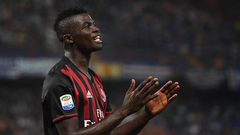"""Bandar Bola - Niang Pertimbangkan Untuk Hengkang Dari AC Milan"""