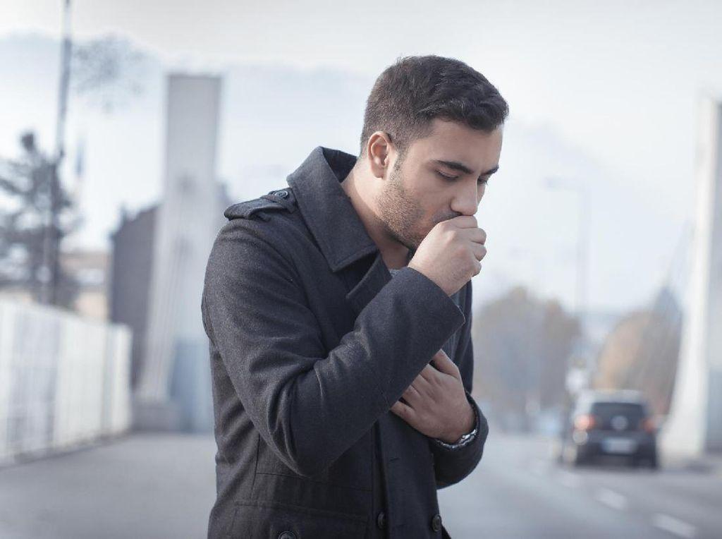 Kebanyakan Minum Alkohol, Seorang Pria Muntahkan Tumor dari Kerongkongan