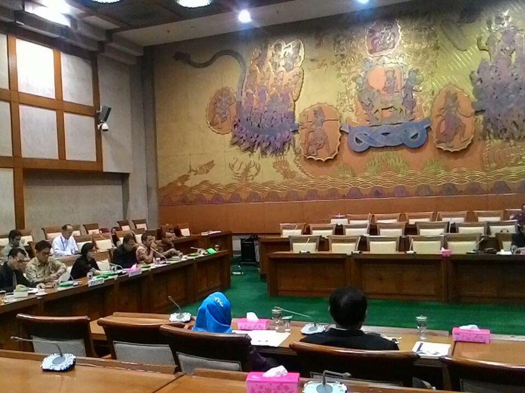 Sri Mulyani Kembali Gantikan Rini Soemarno Rapat dengan Komisi VI DPR