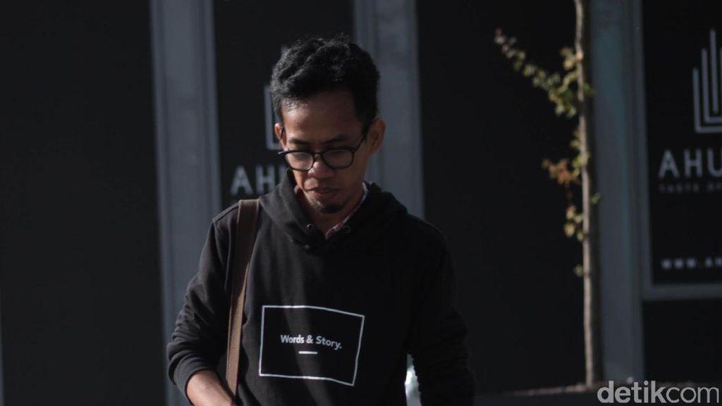 Aan Mansyur, Penyair Masa Kini yang Mempopulerkan Puisi ke Generasi Muda
